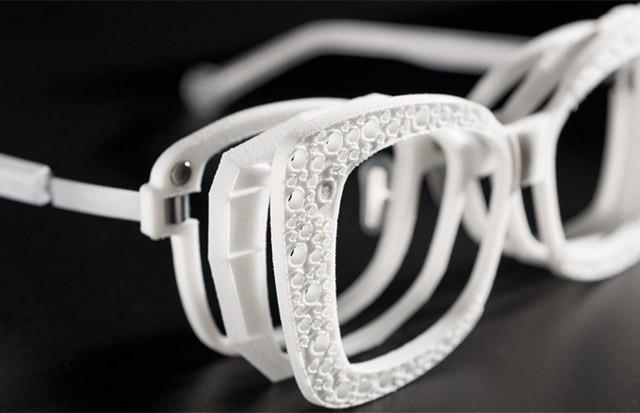 着せ替え可能な3Dメガネフレームが2015年発売予定