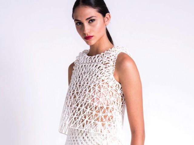 軟性素材を利用し精巧に作られた3Dプリントファッション