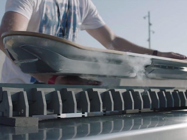 レクサスの超伝導ホバーボードの謎を解説!