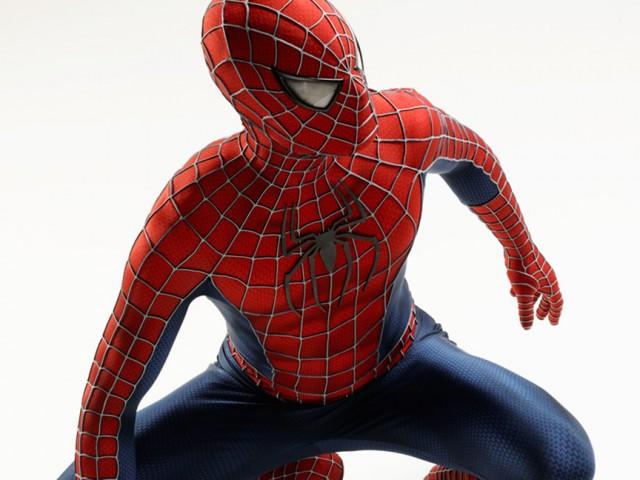 3Dプリントされた超リアルなスパイダーマンのマスク