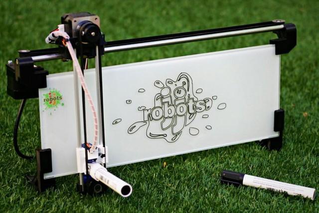 アプリ制御のホワイトボードロボットiBoardbot