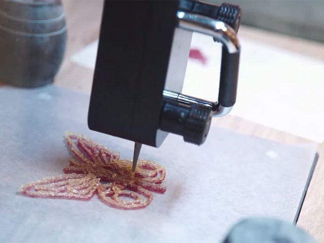 世界初の菓子3Dプリンタ「Magic Candy Factory」