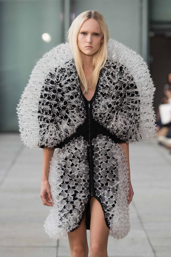 irisvanherpen-3d-printed--fashion-1