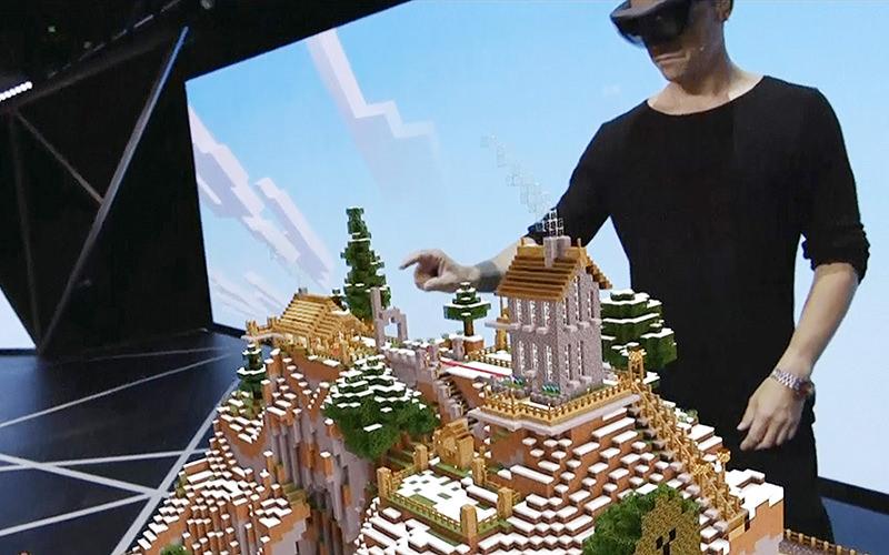 HoloLens-E3-minecraft-2