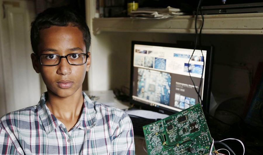 Ahmed-Mohamed-clock-1