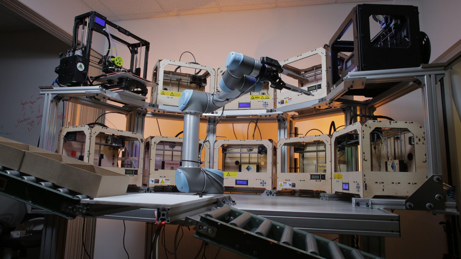 tend-ai-robot_and_3D_printers-1