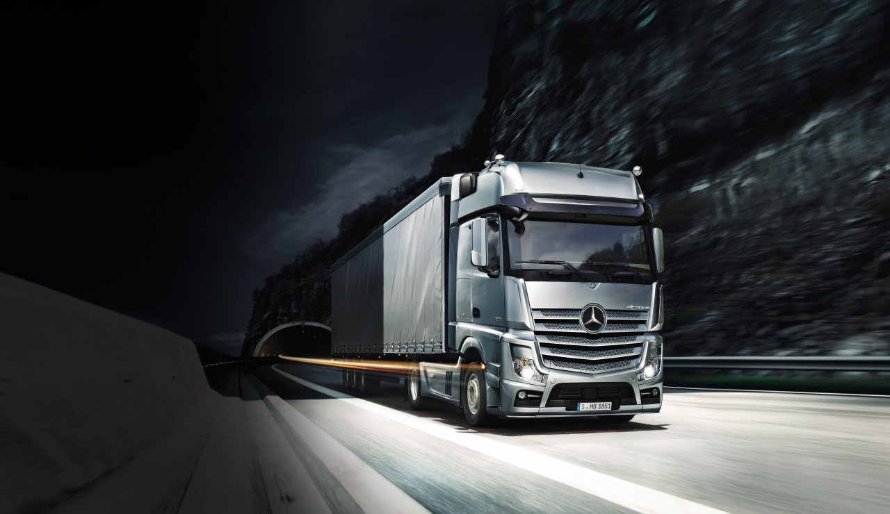Mercedes-Benz-Trucks-3dprinter-1