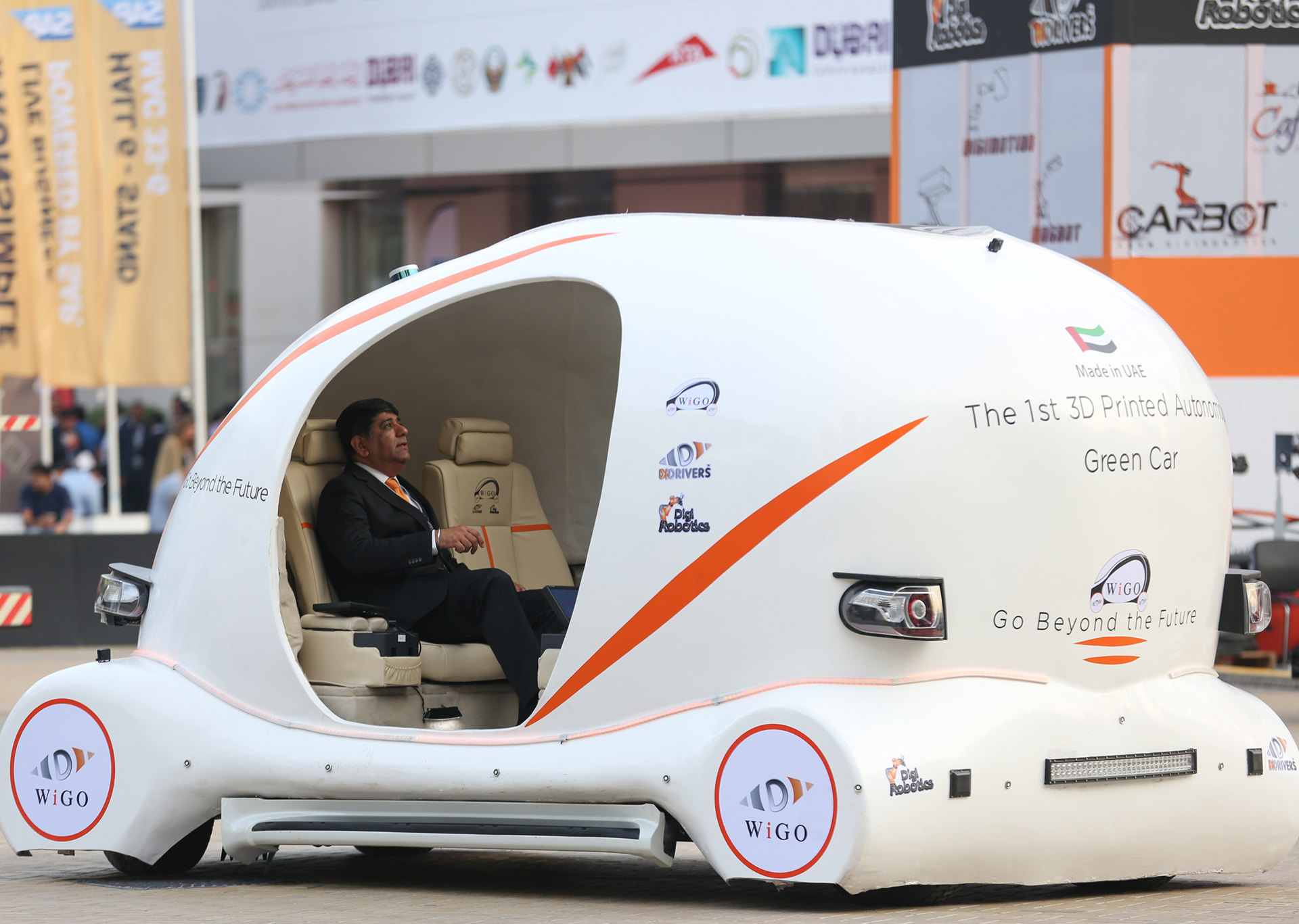 gitex-2016-3d-printed-car-wigo-1